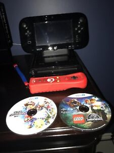 Nintendo Wii U, 2 controllers, 4 games, excellent condition