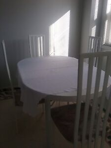 WHITE DINNING TABLE 4 CHAIRS