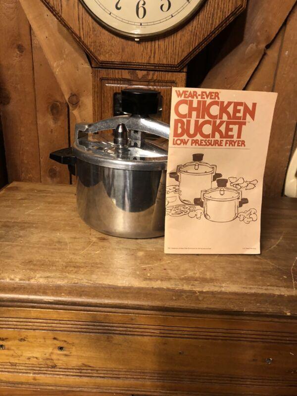 Vintage WEAR-EVER Chicken Bucket 4Qt Low Pressure Fryer Cooker 90024 W/Book NICE