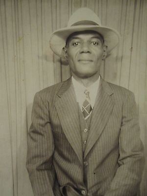 VINTAGE AFRICAN AMERICAN ARTISTIC GRINNING MAN SUIT TIE HAT 1940s FASHION PHOTO
