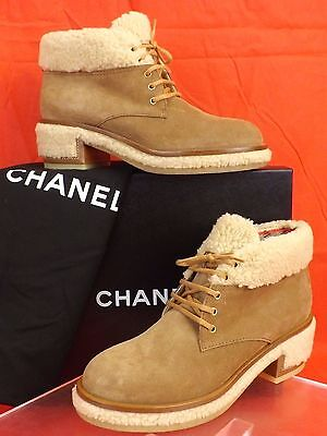 NIB CHANEL G31083 BROWN  BEIGE SUEDE FAUX SHEARLING LACE UP CC ANKLE BOOTS 39