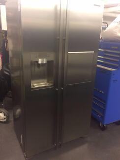 Samsung 683L Double Door Stainless Steel Refrigerator/Freezer