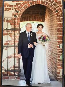 FARA Couture Wedding Dress Maylands Bayswater Area Preview