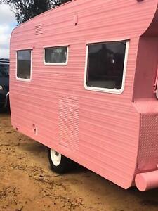 Caravan 14 foot vintage shabby chic pink 🌸🎡🎀🛍💗