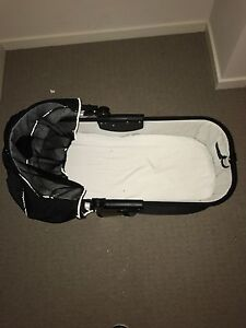 Free bassinet top Wallan Mitchell Area Preview