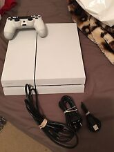 SONY PLAYSTATION 4 PS4 CONSOLE WHITE COMPLETE 500GB Lakemba Canterbury Area Preview