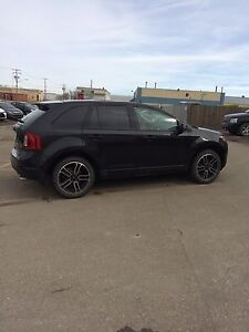 2014 Ford Edge SEL. Low km