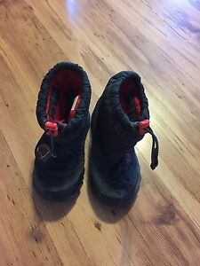 North face  kids winter boots 9US