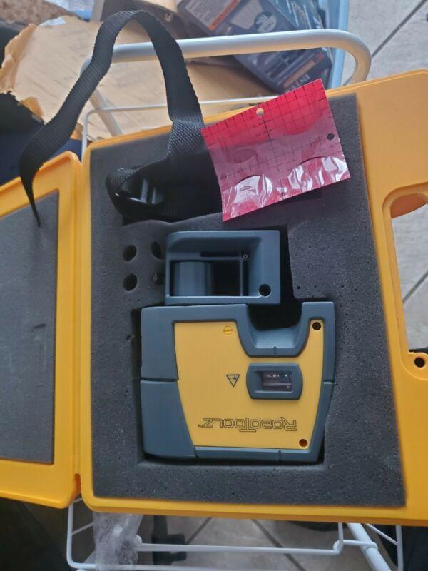 RoboToolz Electronic Self Leveling  Laser level with case