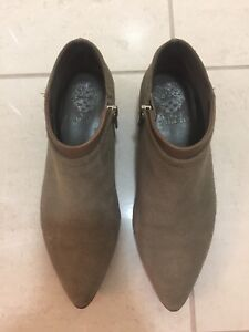 Vince Camuto Ankle Boots Suede in 6.5 / 36.5