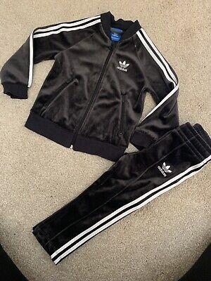 Boys Adidas Black Velour Velvet Tracksuit. 18-24 Months. 1.5-2years