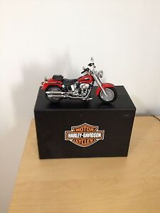 collection item Harley Davidson Road king  fat boy 1:12 scale!!