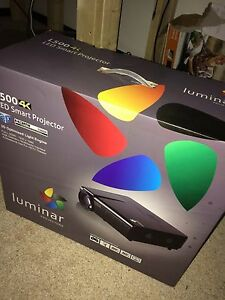 Luminar Movie Projector and Screen