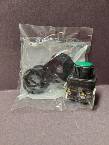 Allen Bradley 800H-AR2D1 30.5mm  Green Corrosion Resistant Push Button New