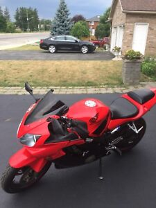 2002 HONDA F4i great condition
