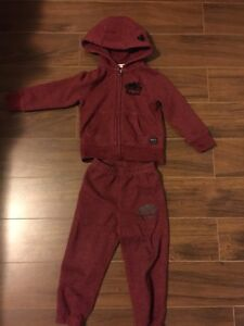 Roots 2T Tracksuit - excellent condition