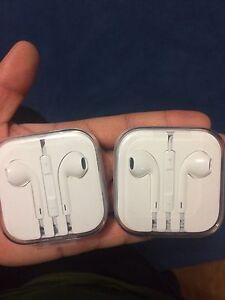 ORIGINAL apple headphones ! 30$/each