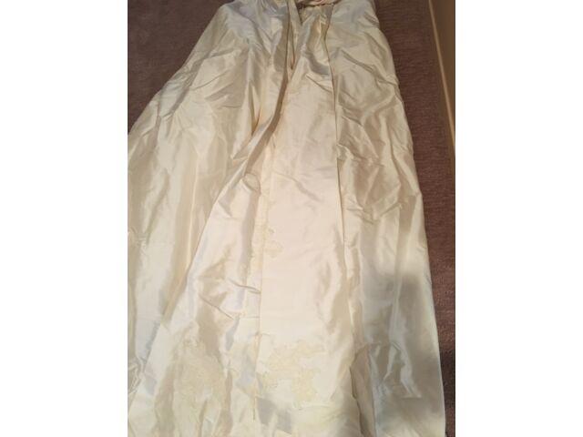 Paloma Blanca 3652 Wedding Dress SZ 10/8 Ivory Silk Dupioni, Sash