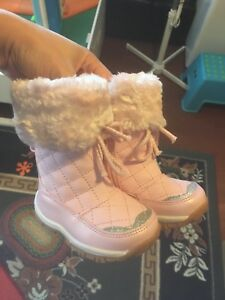 Baby Winter Boots, Size 4 (Joe Fresh)