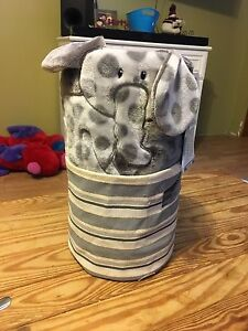 Blanket and storage tote $25