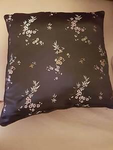 6 cushions Melton Melton Area Preview