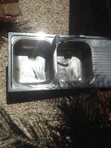 Stainless second hand sink with tap Mill Park Whittlesea Area Preview