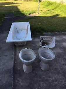 Free Items (Bath Tub, Toilets, Sink, Fish Tank etc) for Pickup Concord West Canada Bay Area Preview
