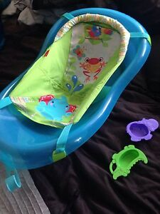 Never used fisher price bathtub