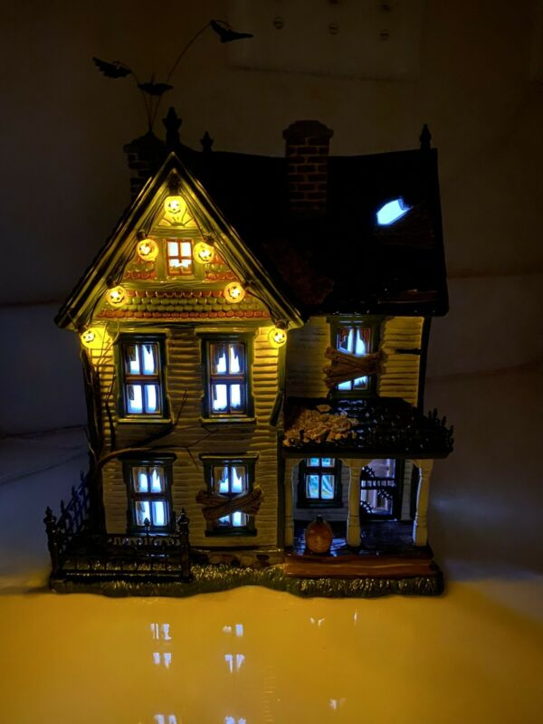 Dept 56 Spooky Farmhouse