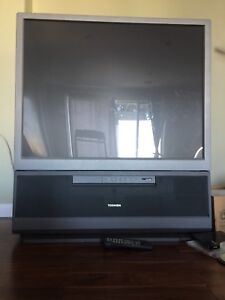 """43"""" Projection TV"""