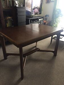 Table antique