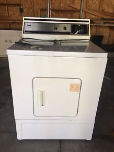 Gas clothes dryer