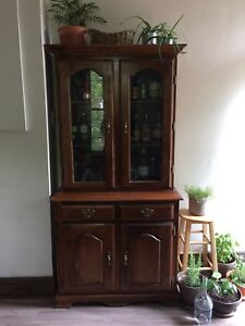 Bar/display cabinet | Armoire/cabinet de bar