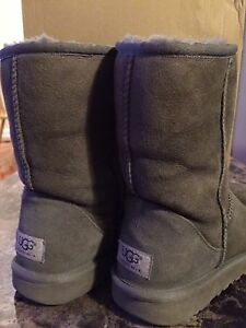 UGGS Grey, Size 6. Authentic. Comes with Box.