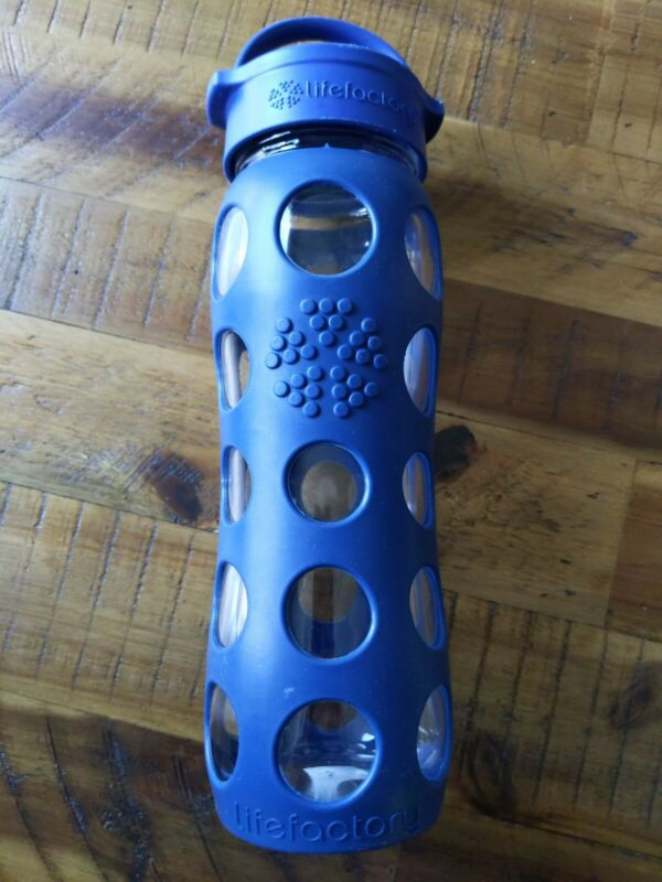Navy Blue Lifefactory 22 oz Glass Water Bottle Silicone Grip Classic Cap Yoga