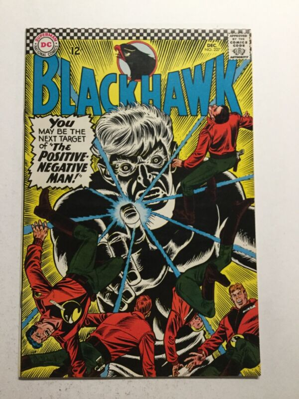 Blackhawk 227 Near Mint- Nm- 9.2 Dc Comics