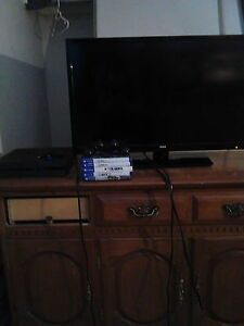 PS4 + T.V For sale!!
