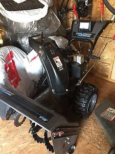 Murray Pro Series Snowblower - low low hours - Moving sale