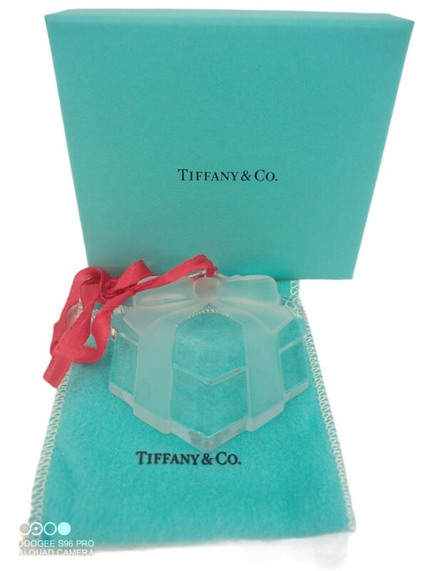 Tifanny & Co. Crystal Gift Box Present Ornament w/ Red Ribbon Box & Pouch 1993