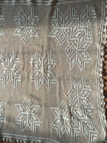 """Vintage Tabletop Hand Crocheted Tablecloth Topper Overlay - Large 48"""" x 72"""" Ecru"""