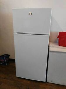 Kelvinator 520L fridge freezer Copacabana Gosford Area Preview
