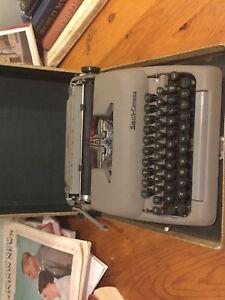 Stunning 1950s smith corona clipper manual portable typewriter