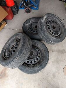 Tires with Rims 225/60 R17 6 bolt