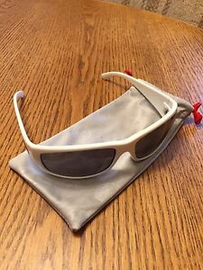 Like New! Dragons Dusk sunglasses