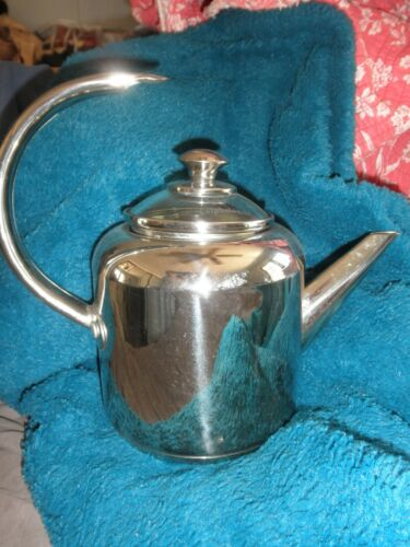 Calphalon 2 Quart Stainless Steel Tea Kettle/Tea Pot #4302