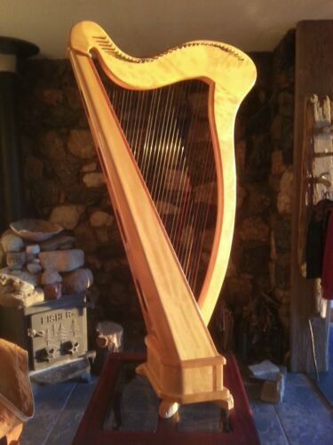 Aoyama 36 string Irish or Troubadour lever Harp  Model 140 N