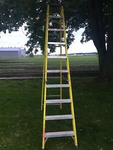 Featherlite fibreglass industrial 10' step ladders