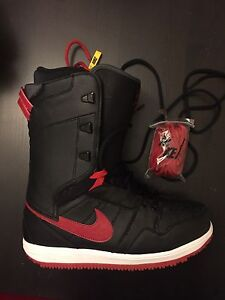 Size 10 Nike snowboarding boots