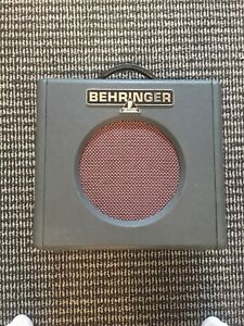 Behringer Guitar amp and Dunlop cry baby pedal