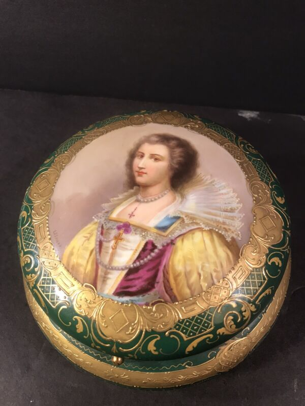 Antique Porcelain Box/ Raised Gold/ Royal Vienna/ Austria C.1880/ Beehive Mark